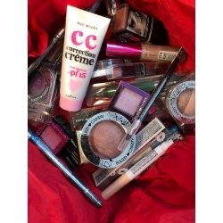Box Hard Candy Makeup 50 PC Sans Doublons (No Duplicata)